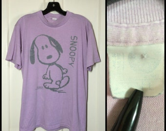 vintage 1980's, Original early 1950's version of Snoopy, very soft distressed faded Lavender T-shirt size Large 21x26.5 the Peanuts Purple