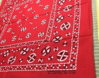 deadstock NOS 1950s Native American Indian Circle Patterned red Bandana 17x18 Guaranteed Fast Color hemmed cotton selvedge made in USA #61