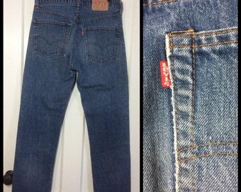 Vintage Levi's Faded Blue denim 505 33X31, measures 32x30 Straight Leg 1980's made in USA Boyfriend jeans Talon zipper black bar stitch #261