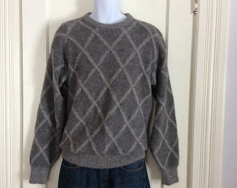 Vintage 1980's Peruvian Alpaca Pullover Sweater looks size Medium to Large Gray Fuzzy