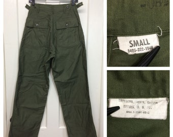 1960 1963 Vietnam War 4 pocket side straps US Military field cotton sateen utility trousers measures 28x31 Army olive green baker pants #138