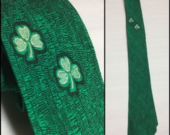 1960's Irish clover green novelty necktie skinny tie 2.5 inch wide by Harry Goldsher