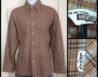1970s Levi's big E dated 1978 with a pocket the upper right sleeve, Brown Blue Plaid Shirt size Large White Tab light weight permanent press