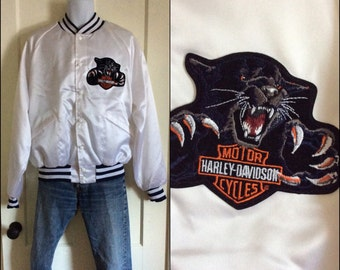 1980s Harley Davidson white satin bomber jacket size large black panther cat HD patch King Louie Pro Fit