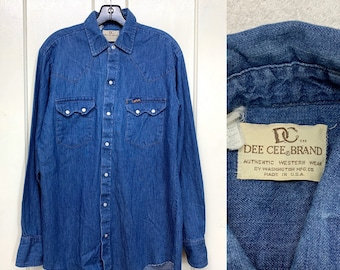 1970s Dee Cee brand cotton denim snap western work shirt size medium 15.5-35 made in USA