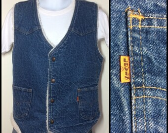 Vintage 1970's Levi's size Large Fleece Lined Denim Blue Jean Vest 2 Pocket Orange Tab made in USA #1897