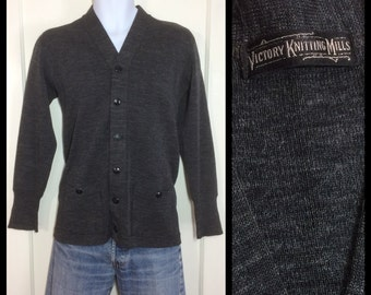 1940s Victory Knitting Mills wool thin high gauge knit workwear Work Cardigan Chore Sweater looks Small Charcoal Gray salt pepper speckled