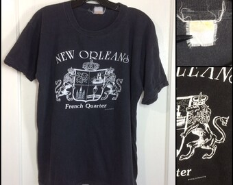 1970s black thin cotton New Orleans French Quarter souvenir t-shirt looks size large 20x24 royal crown lions cats Bourbon St