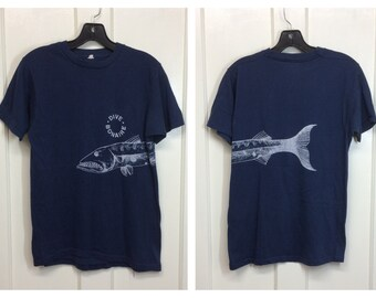 1970s Bonaire souvenir t-shirt looks size small 17x25 faded blue barracuda fish wraparound print scuba dive Caribbean Islands surfer beach