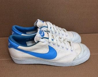 1983 Nike Columbia canvas tennis shoes men's size 8 trainers kicks sneakers white light blue 1980s