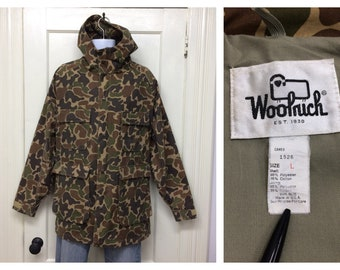 1990s Woolrich camouflage mountain parka size large 65/35 made in USA camo outdoors civilian camping hiking sherpa