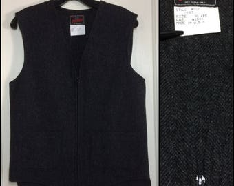 Vintage 1980's Mens Johnson Woolen Mills Wool Work Vest size 36, XXS zip up dark gray tweed