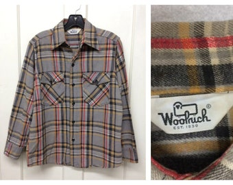 1980s Woolrich cotton flannel shirt size medium light gray black red yellow plaid work workwear