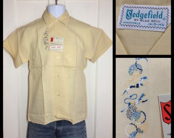 1950's Deadstock light weight cotton embroidered short sleeve Shirt size Small NOS NWT Sedgefield by Blue Bell novelty dog cat pastel yellow