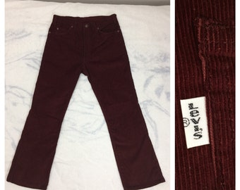 1970s vintage Levis 517 boot cut burgundy red corduroys tag size 34X30, measures 32x29 flare jeans Talon zipper made in USA #634