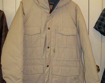 Deadstock 1980s Levi's Winter Mountain Parka size Large puffer jacket beige navy blue lining Hoody 65/35 NOS