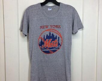 1970s New York Mets NYC baseball team Champion blue bar tag t-shirt size medium, looks small 16x26 heather gray made in USA single stitch