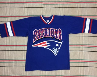 1990s NFL New England Patriots football team jersey 3/4 sleeve striped t-shirt size youth 18 blue white red single stitch made USA #2