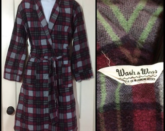 Vintage Men's 1950's Plaid soft Flannel Smoking Jacket Robe looks size Medium burgundy Red Gray Black wash & wear
