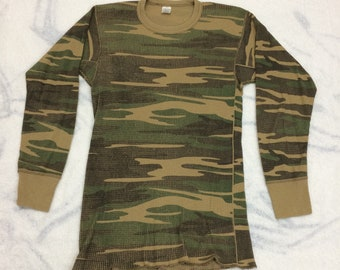 1980s faded camouflage thermal Long Johns waffle shirt t-shirt tag size large looks small camo #13