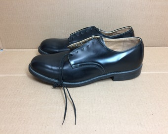 Deadstock 1980s 1983 black Military deck service shoes size 9.5 R NOS leather soles Bilt Rite heel dress shoes