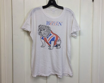 1980s 1983 Great Britain Bulldog Union Jack England worn paper thin white souvenir t-shirt size large 20x24 distressed dog flag London UK
