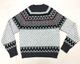 1950s Arrow brand Ski Lodge fair isle sweater tag size M looks small white gray red black slightly fuzzy Nordic patterned Orlon acrylic