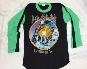 1980s Def Leppard Pyromania Tour '83 1983 long sleeve t-shirt size large, looks medium 18x27 heavy metal black green baseball style rock tee