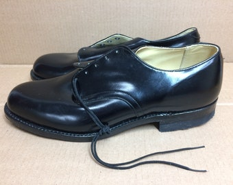 Deadstock 1980s 1981 black leather Military deck service shoes size 9W NOS International Shoe Co