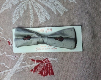 deadstock vintage 1950's Silk Clip On Bowtie Silver Red Black design NOS NWT