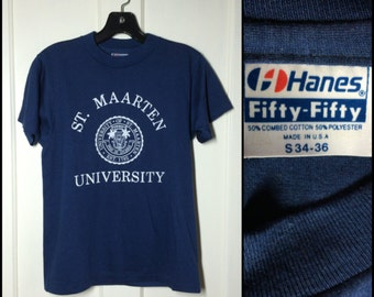 Vintage 1980s St. Maarten University Souvenir Caribbean soft blue T-shirt size Small 16x23.5 School Crest logo college tropics island