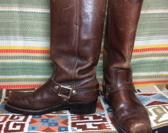 1960s dark Brown leather square toe buckle harness biker motorcycle Boots size 9 D made in Spain Cat's Paw twin grip heel great patina