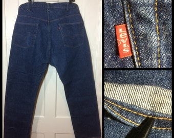 1970s Levis 505 Indigo Blue denim Straight Leg Jeans tag size 46X32, measures 44x32 made in USA single stitch black bar Talon zipper #265