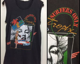 1980's Tropix Surfers Only Marilyn Monroe beach punk surf black sleeveless Muscle Tee T-shirt looks size Small 17x26 distressed all cotton