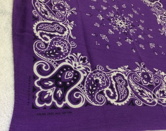 1970s purple Color Fast bandana 19.25x19.5 worn soft hemmed cotton selvedge made in USA lavender violet black tulips paisley flowers #129