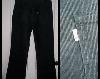 Vintage Levi's 646 36X30 Dark Green Corduroy Mens 1970's Bell Bottom Flare Jeans #1513