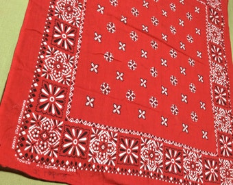 1950s Guaranteed Fast Color Tower Square Flowers Diamond Print red Bandana 19.5x22 all Cotton  #37