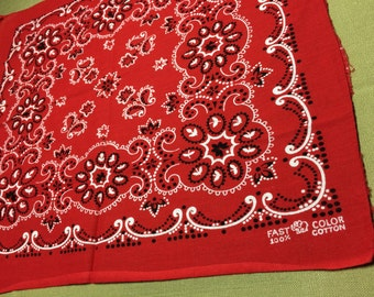 1950's Elephant Trunk Up red small Bandana 15.5 x 16.25 Fast Color Paisley tiny Dot Flowers all Cotton #34