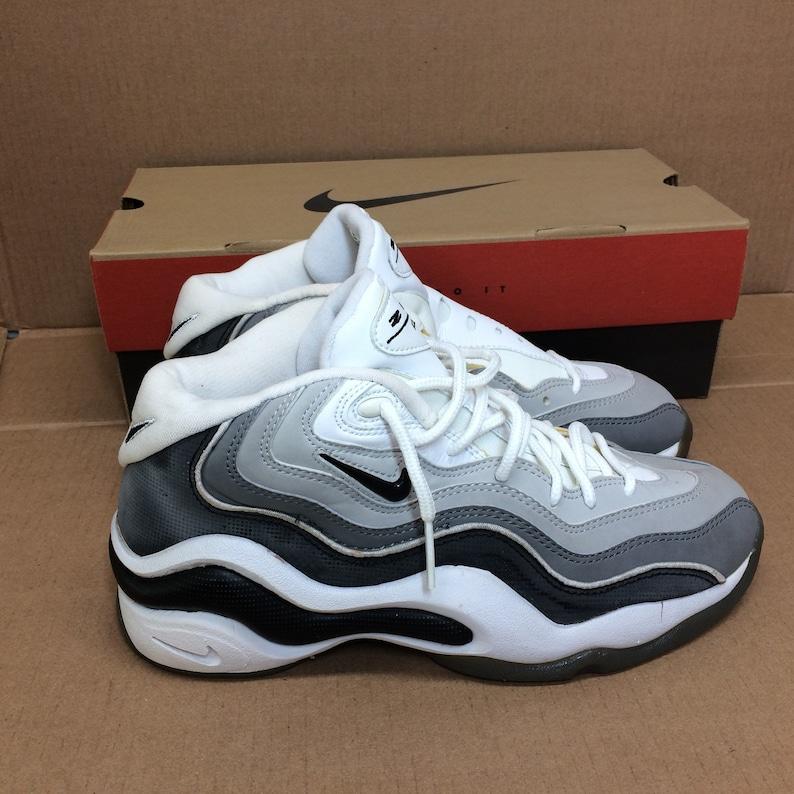 440b14ecf5f34 deadstock Nike Air Zoom Flight 96 basketball shoes size 8.5 black white  gray swoosh trainers kicks sneakers 1990s NIB new in box