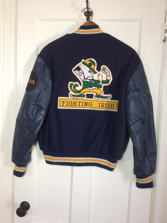 Notre Dame Fighting Irish NCAA varsity wool faux leather sleeves letterman stadium bomber jacket college sports navy blue size 42 patches