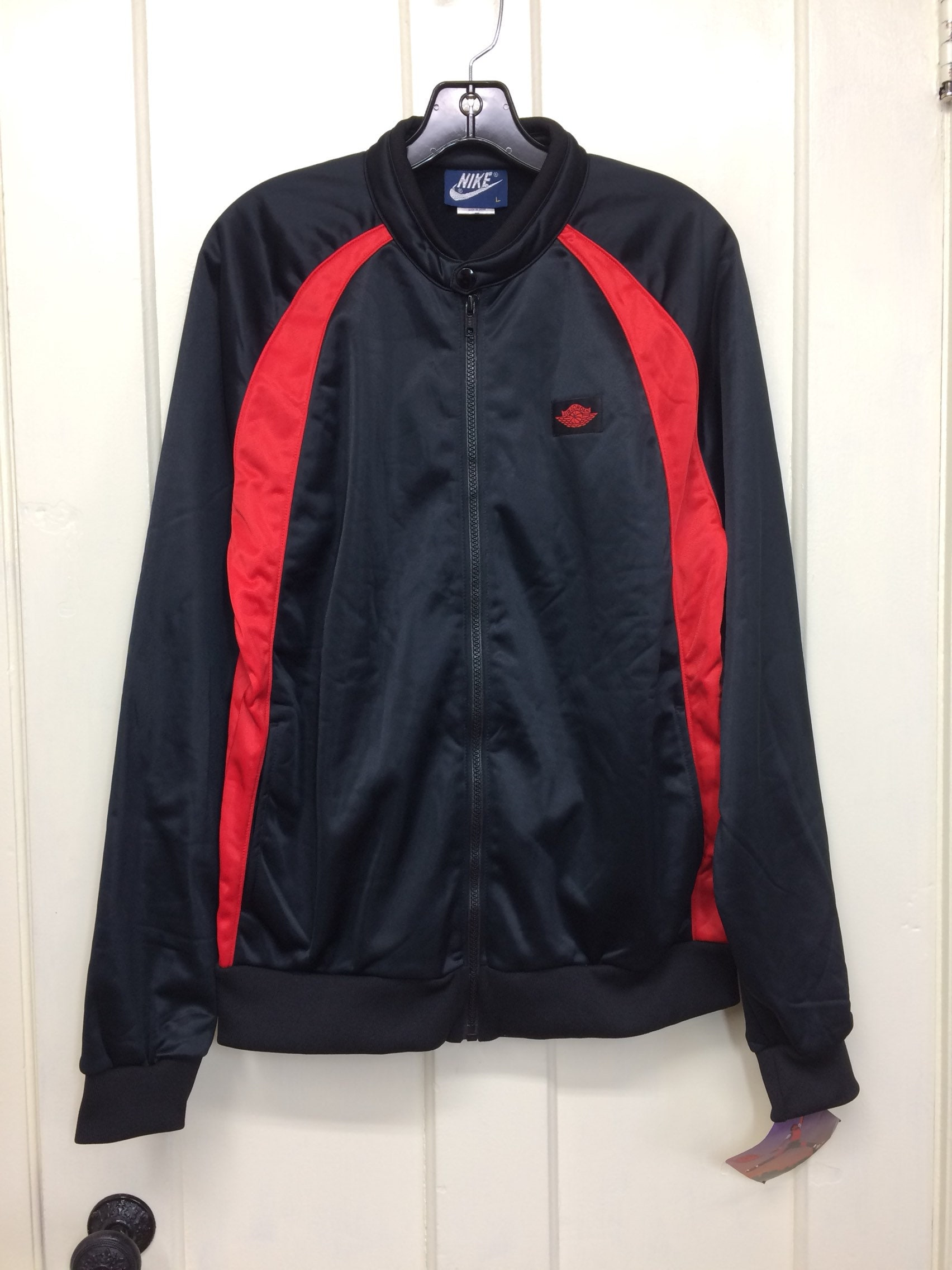 9d187d0b7fd827 deadstock 1980s 1985 Air Jordan 1 wings basketball warm up jogging jacket  size large made in Japan black red AJ-1 blue tag Nike NOS NWT