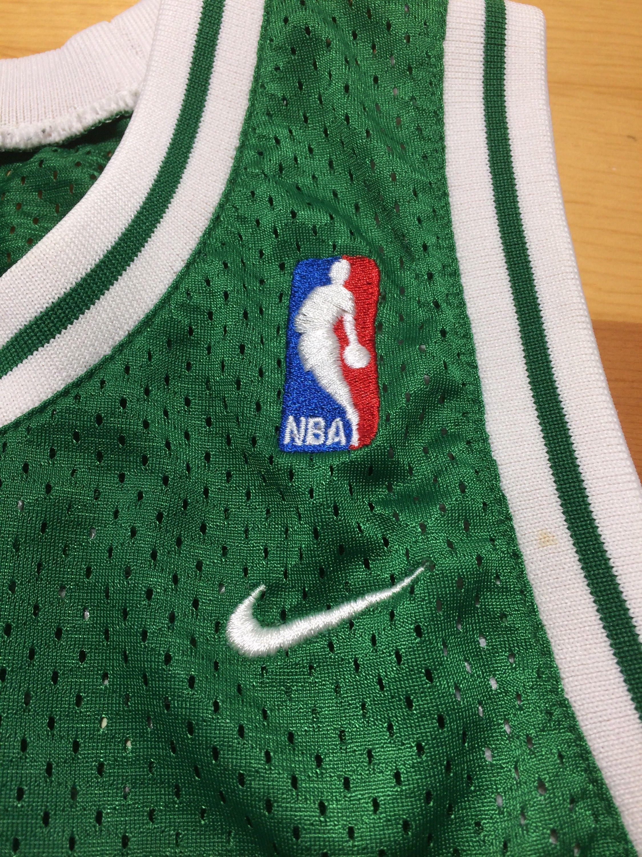 b3da7904dfd8 1990 s Boston Celtics Paul Pierce  34 sewn basketball team Nike NBA jersey  size boy s large 19x24 kelly green tank top throwback