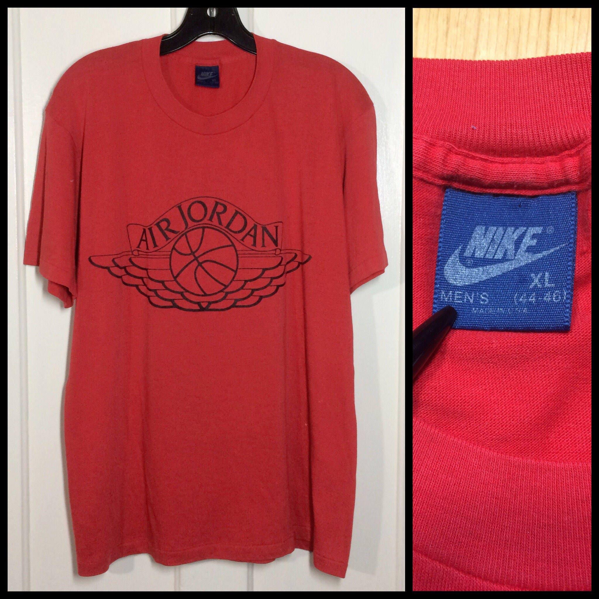 d9f2dc1017e679 AJ1 1980 s Nike Air Jordan 1 basketball wings t-shirt size XL 21x27 ...