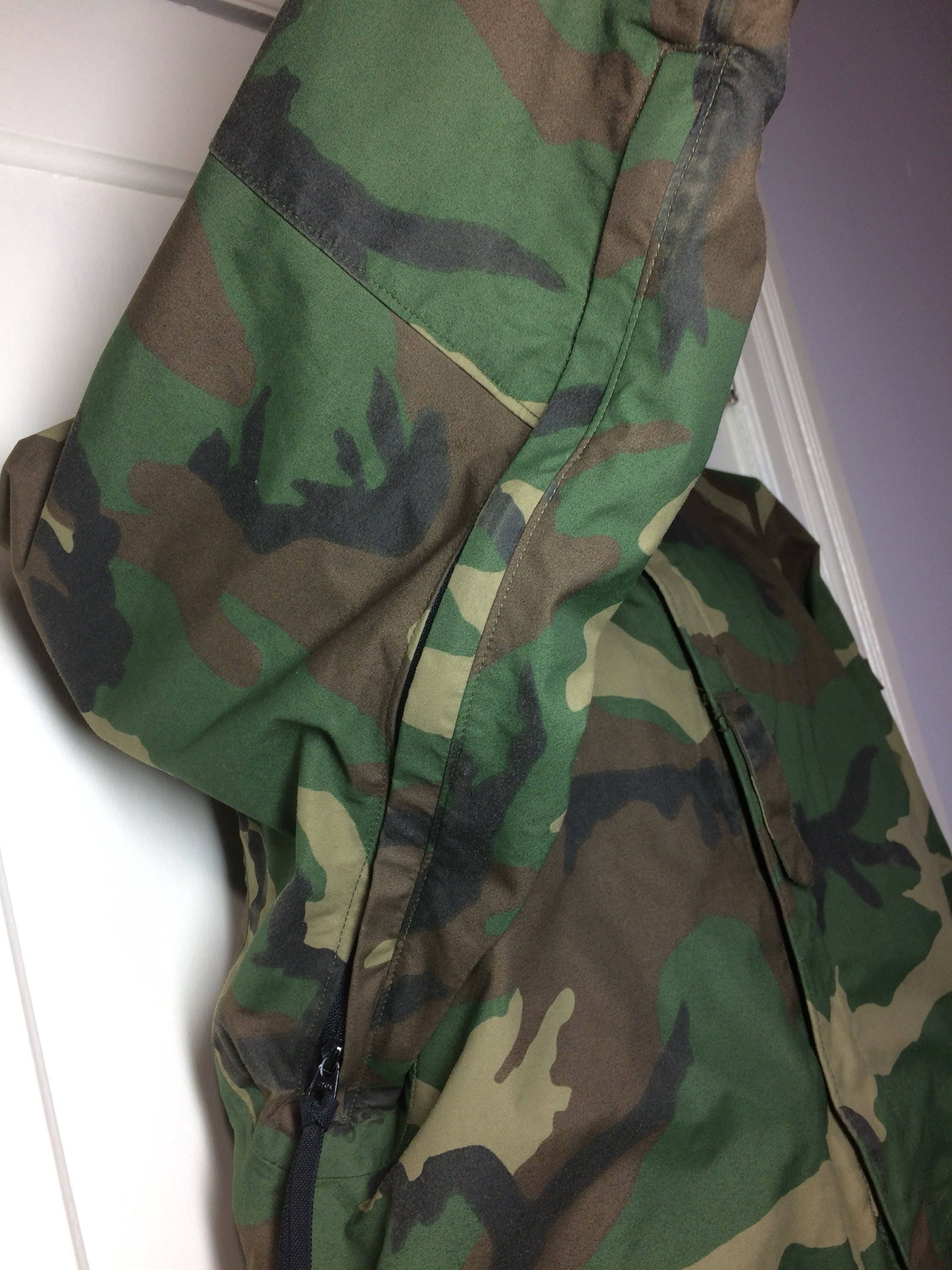 2e88ba2cbd5c8 1990's 1992 military camouflage cold weather parka jacket size Small long  tall feels Gore-Tex by Tennessee Apparel Corp camo fatigues