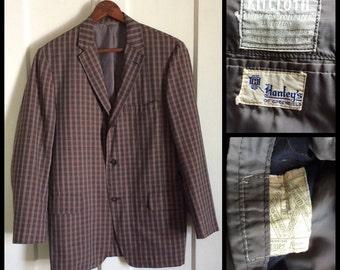 Men's Vintage 1960's Plaid Sport Jacket Blazer looks size Medium to Large Gray Black Red