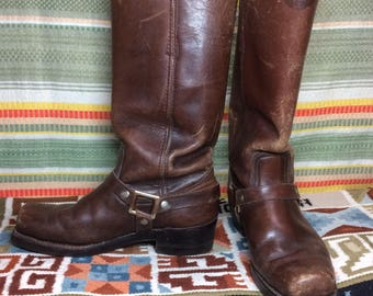 1960's dark Brown leather square toe buckle harness biker motorcycle Boots size 9 D made in Spain Cat's Paw twin grip heel great patina