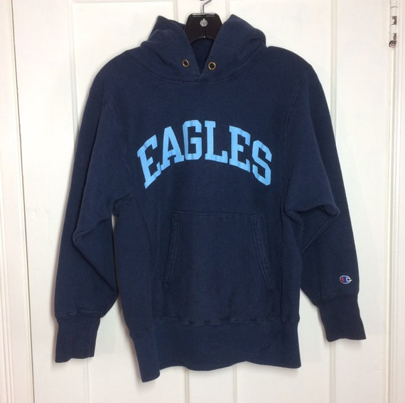 1980s Eagles printed Champion Reverse Weave Hooded Sweatshirt size Small Navy Blue Cloth Tag hoody Hoodie school team C patch