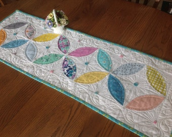 Petals 14x40 quilted table runner in vintage look colors