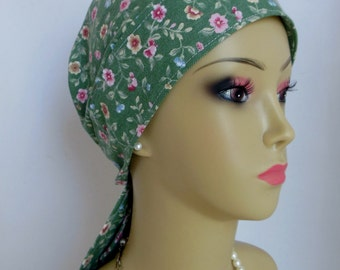 Scrub Skull Cap Vintage Flower Design, Headwear For Nurses Chemo Patients, Cancer Headwear