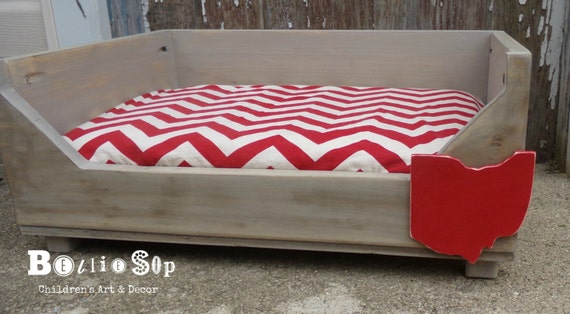 Terrific Ohio White And Red Chevron Distressed Wood Storage Dog Bed 23X16X12 Deep Small Dog Uwap Interior Chair Design Uwaporg